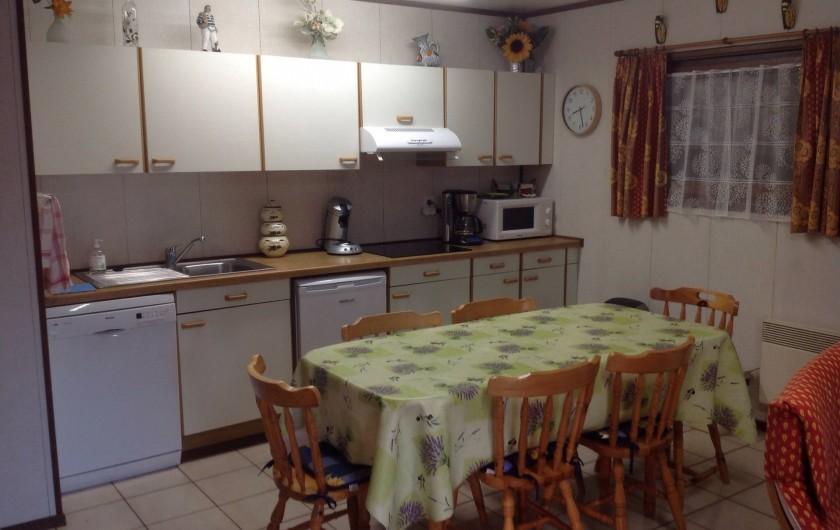Location de vacances - Maison - Villa à Portiragnes Plage - Coin cuisine ouverte complètement équipée