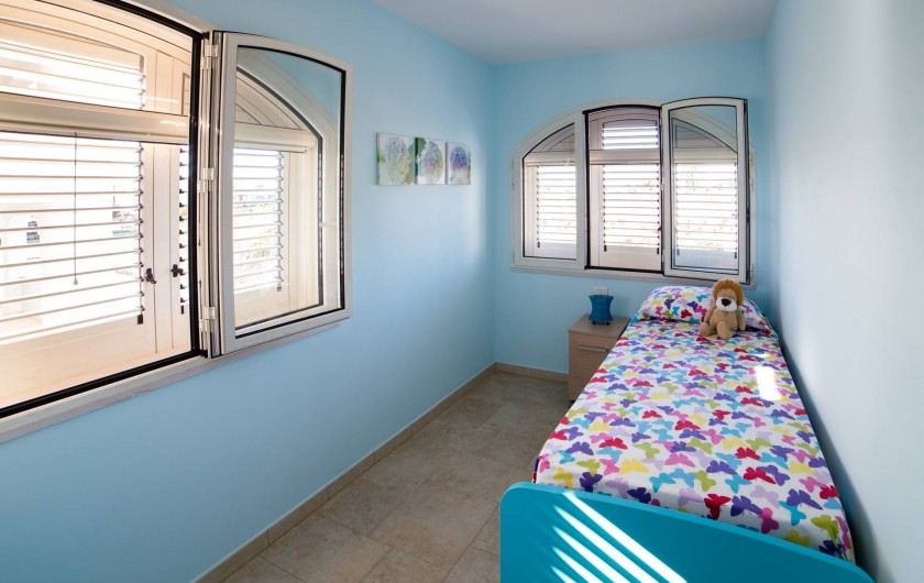 Location de vacances - Appartement à Pescoluse - Chambre 2  C'est magique avec le lits superposés! Pour deux personnes.