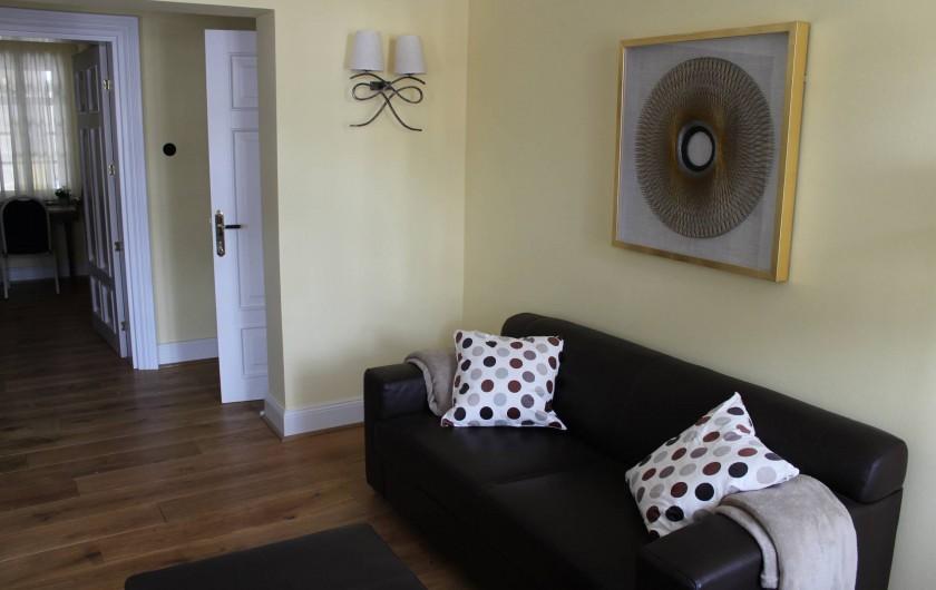 Location de vacances - Appartement à Bad Ems - Coin assises en cuir