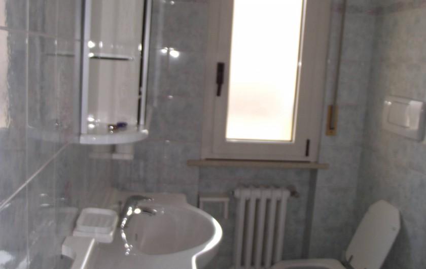 Location de vacances - Appartement à Montesilvano - salle de bain
