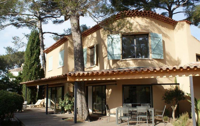 villa d 39 architecte dans le centre de sanary sur mer proche de la plage var. Black Bedroom Furniture Sets. Home Design Ideas
