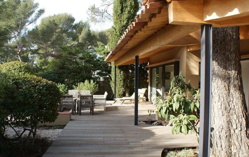 Villa d 39 architecte dans le centre de sanary sur mer proche for Architecte sanary sur mer