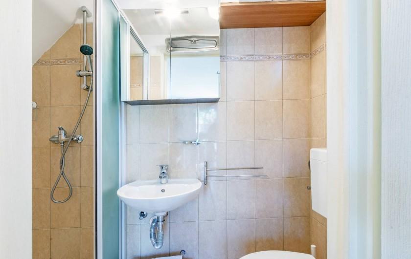 Location de vacances - Appartement à Banjole - CABINET  DE  TOILETTES  ET  DOUCHE