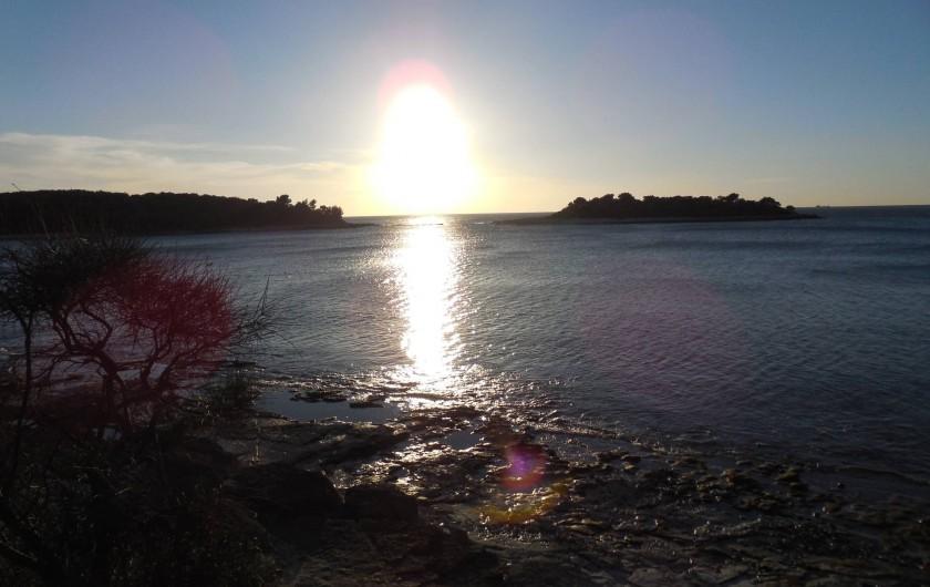 Location de vacances - Appartement à Banjole - coucher de  soleil