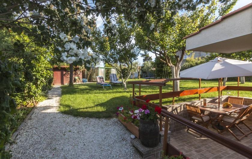 Location de vacances - Appartement à Banjole - COTE JARDIN
