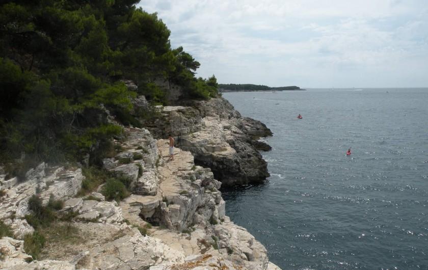 Location de vacances - Appartement à Banjole - bord de mer  sauvage