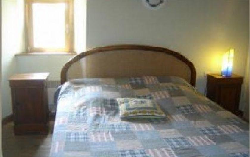 Location de vacances - Gîte à Loc-Eguiner-Saint-Thégonnec - chambre avec un lit 1m60