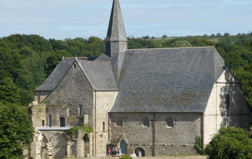 Location de vacances - Gîte à Loc-Eguiner-Saint-Thégonnec - abbaye du Relecq  a 8 kilomètres