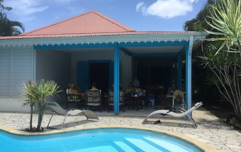 Location de vacances - Villa à Sainte-Luce - La villa sous ses nouvelles couleurs