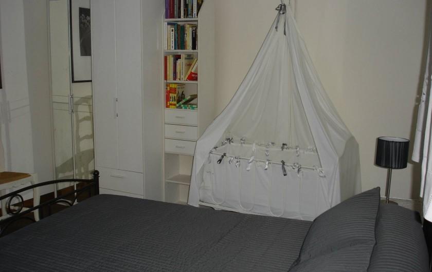 Location de vacances - Villa à Le Pompidou - lit bébé