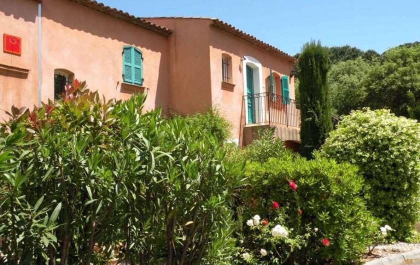 Location de vacances - Appartement à Gassin - Appartement au 1er étage : accès indépendant par jardin privatif ...