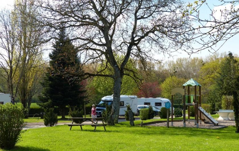 Location de vacances - Camping à Langres - Aire de jeux