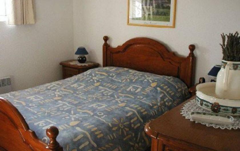 Location de vacances - Appartement à Grignan - chambre rétro