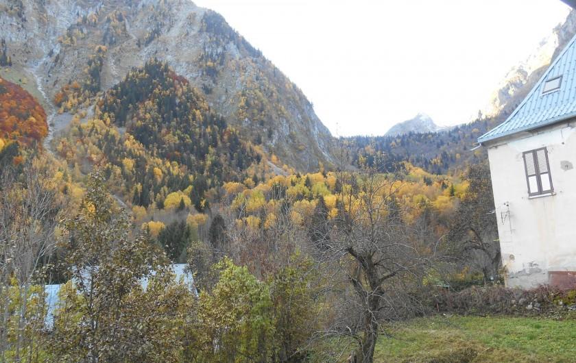 Location de vacances - Appartement à Vénosc - Vue sur le vallon du Lauvitel. SO