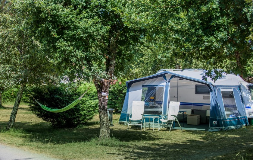 Location de vacances - Camping à Sainte-Eulalie-en-Born - emplacement camping