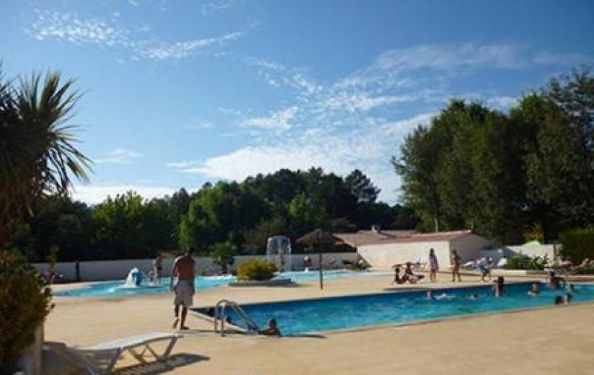 Location de vacances - Camping à Sainte-Eulalie-en-Born - bassin de nage