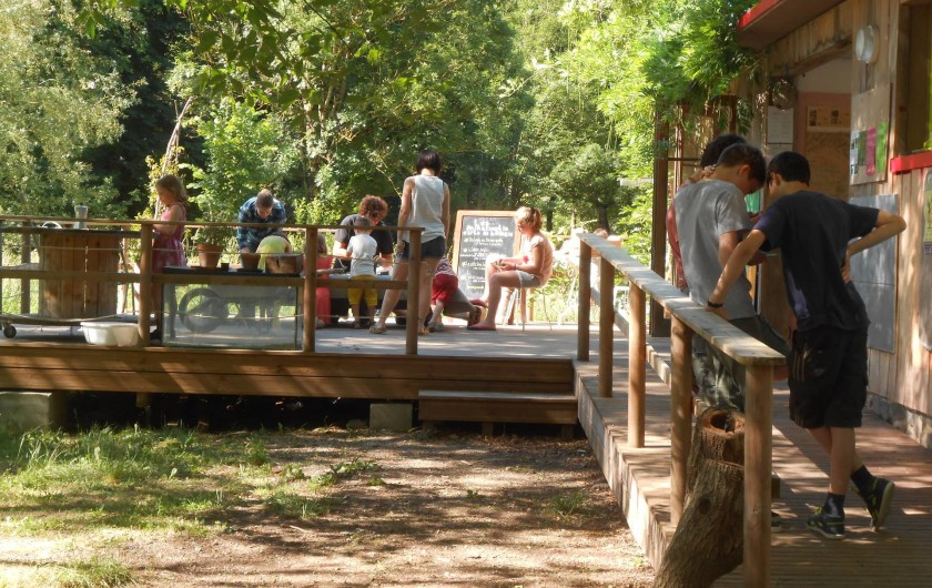 Location de vacances - Yourte à La Grève-sur-Mignon - terrasse d'accueil, accès wifi
