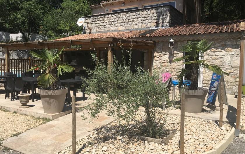 Location de vacances - Chalet à Vogüé - Accueil et snack bar