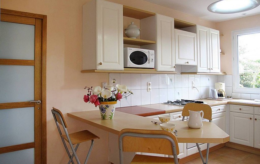 Location de vacances - Villa à Plougrescant - cuisine ouverte sur séjour