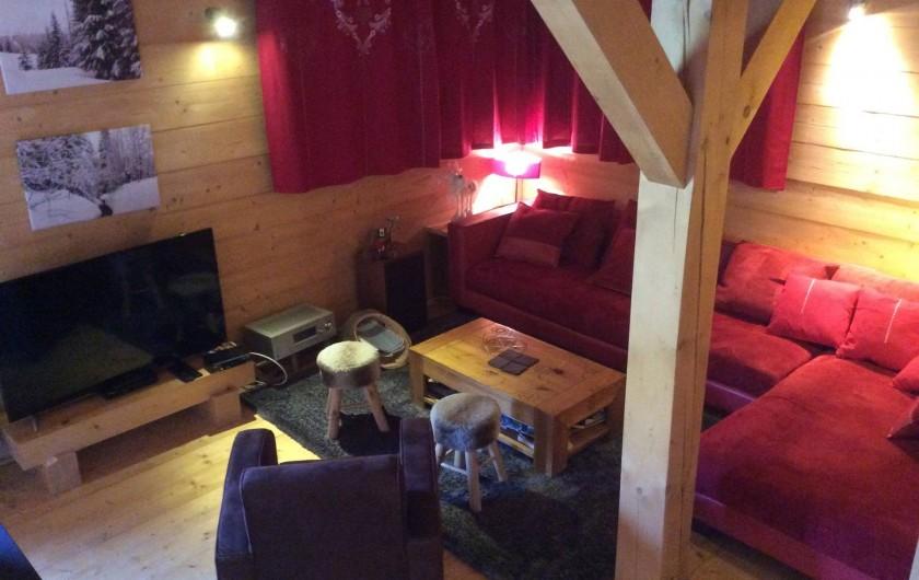 Location de vacances - Chalet à Le Praz de Lys - Coin salon vue depuis escalier