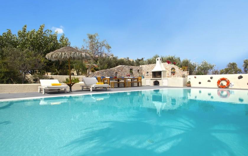 Location de vacances - Villa à Thera - Piscine privee BBQ