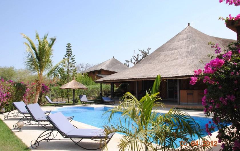 Location de vacances - Maison - Villa à Nianing - La villa spacieuse avec piscine privée. De quoi vous prélassez au soleil...
