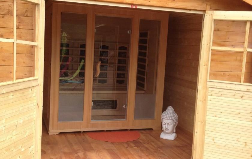 Location de vacances - Gîte à Bagnols-sur-Cèze - sauna infra rouge source de bien être. Privé réservé au gite préstation ,gratuit