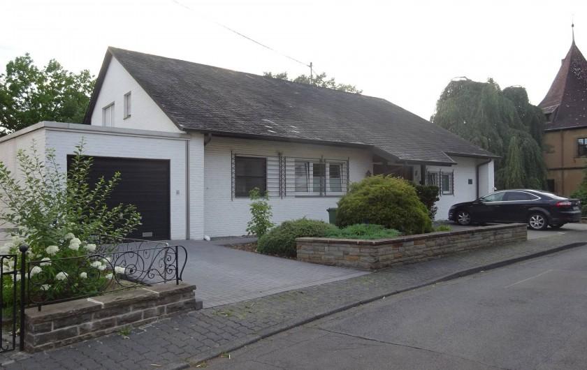 Location de vacances - Appartement à Linz am Rhein - Vu de la maison du coté d'arrivé