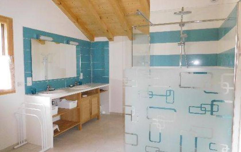 Location de vacances - Chalet à Samoëns - Salle d'eau au 1er niveau avec douche à l'italienne