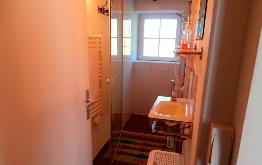Location de vacances - Gîte à Beuvrequen - La salle de bain avec douche italienne