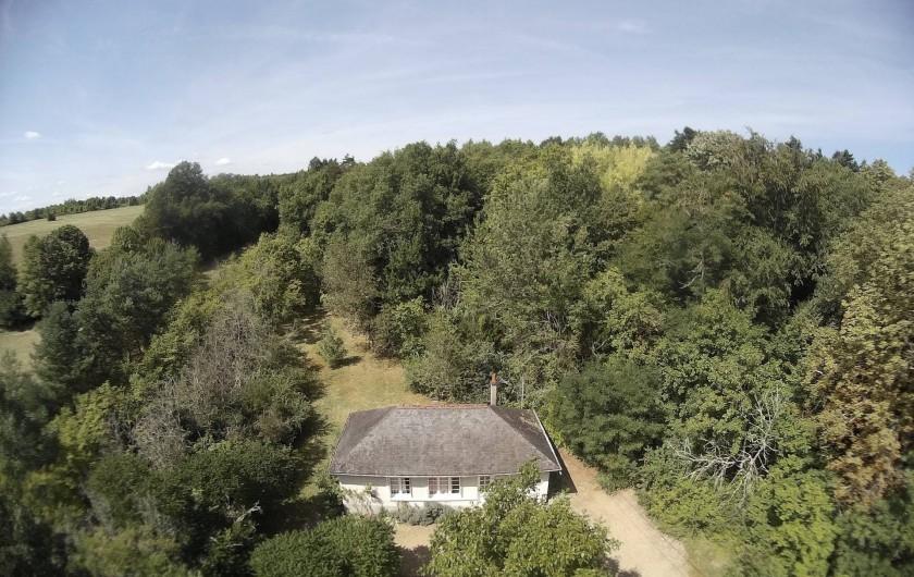 Location de vacances - Gîte à Azay-le-Rideau - en pleine campagne, jardin en partie boisé