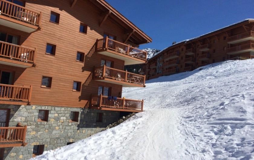 Location de vacances - Appartement à Arc 1800 - Immeuble directement sur les pistes, à 200m du centre station