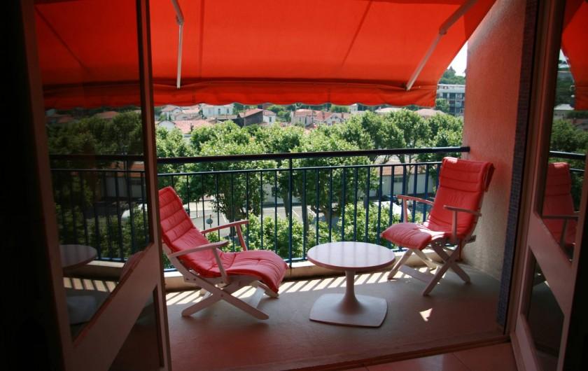 Location de vacances - Appartement à Arcachon - Balcon au sud devant le séjour