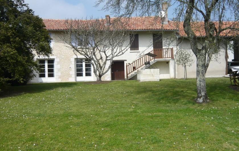 Location de vacances - Gîte à Saint-Aulaye - Un gîte parfait pour 8 personnes
