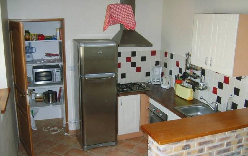 Location de vacances - Gîte à Calanhel - Le coin cuisine équipé...