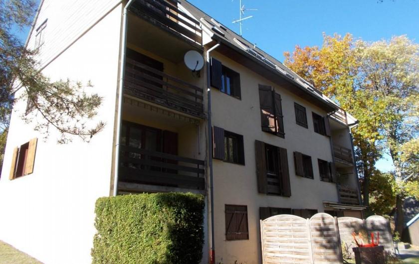 Location de vacances - Appartement à Labaroche - l'arrière de la résidence avec le balcon