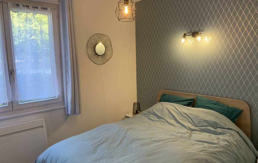 Location de vacances - Appartement à Labaroche - la chambre parentale avec un lit double et un espace dressing