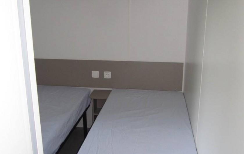 Location de vacances - Bungalow - Mobilhome à Saint-Brevin-les-Pins - Chambre 2, 2 lits simples
