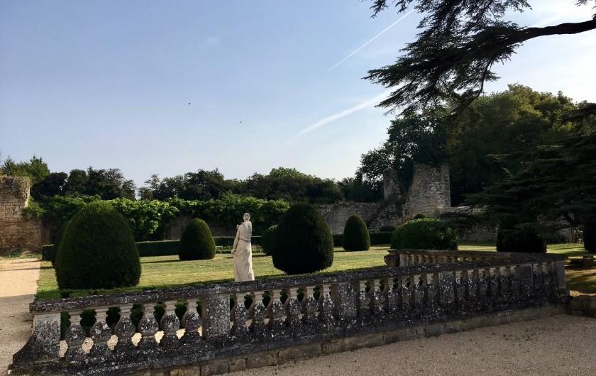 Location de vacances - Château - Manoir à Montreuil-Bonnin - Jardin du château