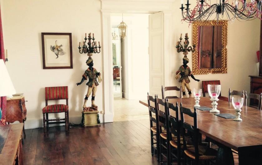 Location de vacances - Château - Manoir à Montreuil-Bonnin - salle à manger 18 couverts possible