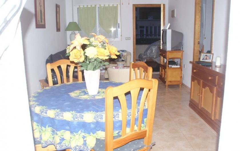 Location de vacances - Appartement à Punta Prima - salle à manger