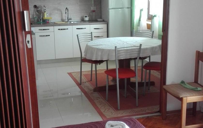 Location de vacances - Appartement à Veli Rat - sale manger et cuisine