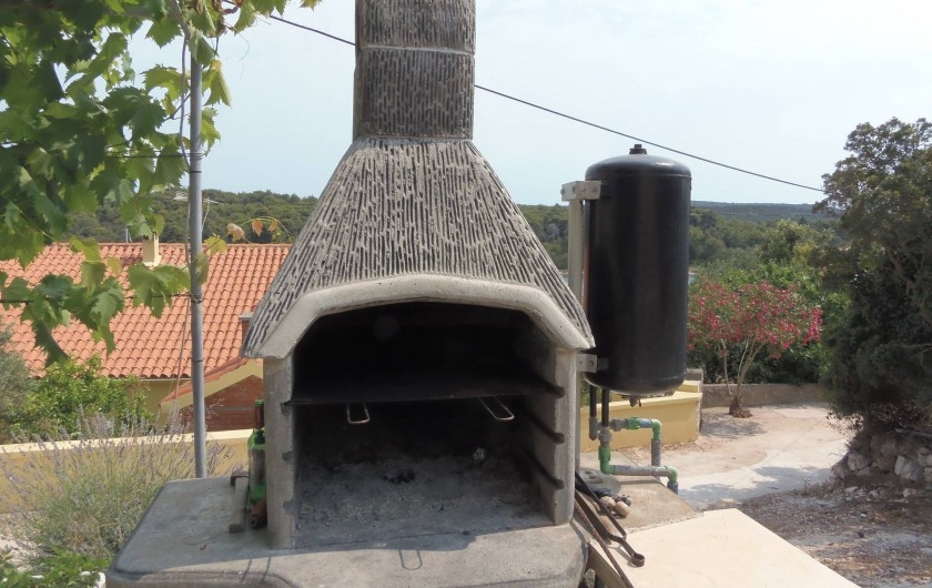 Location de vacances - Appartement à Veli Rat - Barbecue