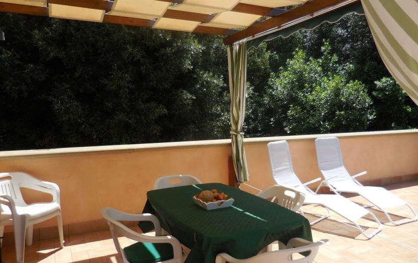 Location de vacances - Appartement à Guardistallo - Terrasse vue de l'appartement