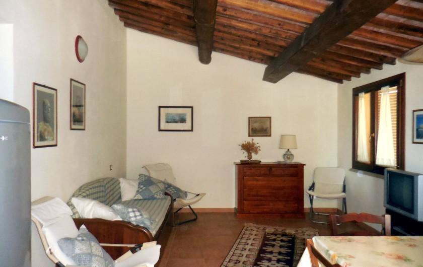 Location de vacances - Appartement à Guardistallo - Intérieur - Salon / salle à manger