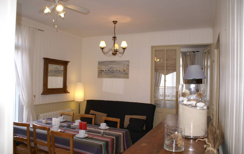 Location de vacances - Appartement à Le Touquet-Paris-Plage - Un salon séjour avec accès terrasse et au 2 chambres