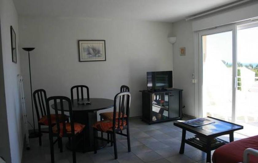 Location de vacances - Appartement à Saint-Aygulf - Salon /Salle à manger