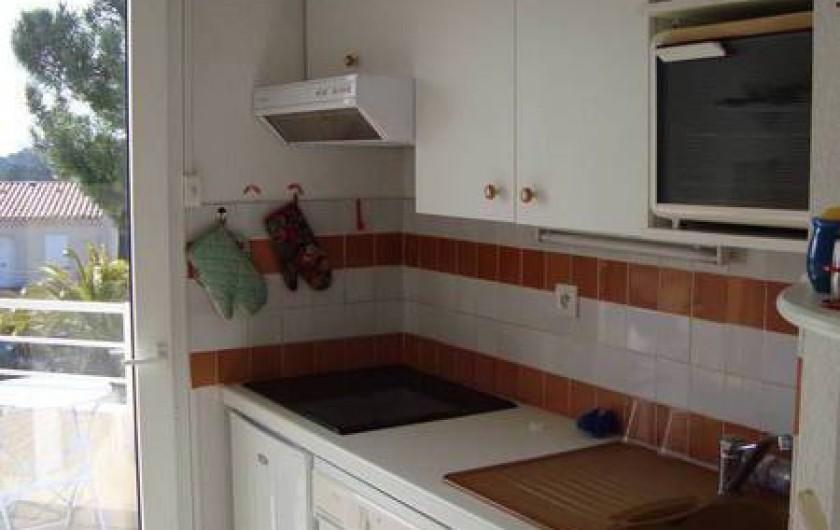 Location de vacances - Appartement à Saint-Aygulf - Cuisine