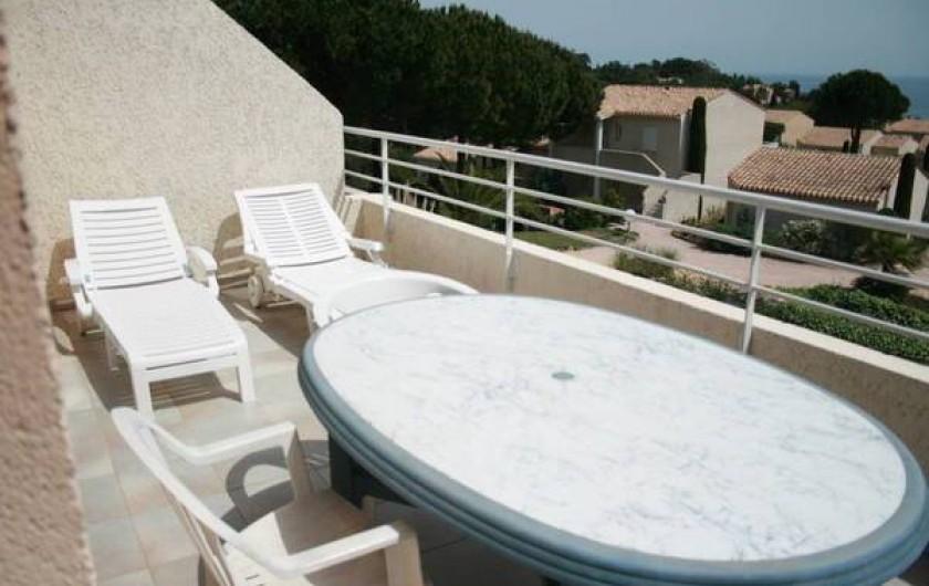Location de vacances - Appartement à Saint-Aygulf - Terrasse