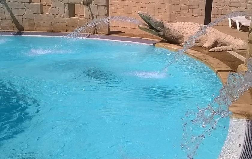Location de vacances - Bungalow - Mobilhome à Le Muy - Une des piscines...